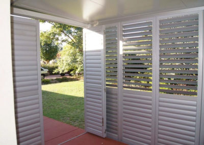 aluminium shutter blinds outdoors