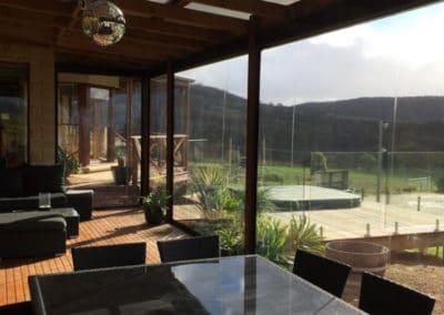 outdoor cafe blind